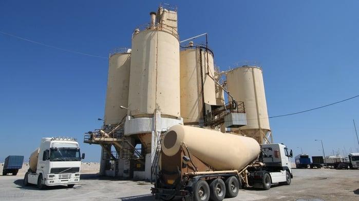 Cement_silos-235266-edited.jpg